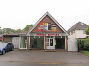 mower services showroom to let